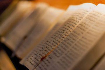 cc-by-2-0-pasotraspaso-biblias